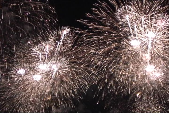 http://gypsy-trails.com/BLOG-NAME/hanabi2007.jpg